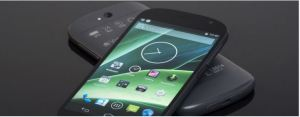 This is the new YotaPhone: A 5″ Android smartphone with a 4.7″ touchscreen e-ink display on the back