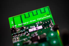 This New Cellphone Uses Such Little Power It Doesn't Need a Battery