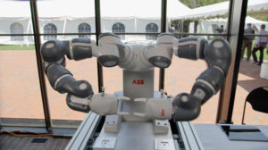 """New breed of collaborative robots """"work hand in hand"""" with humans"""